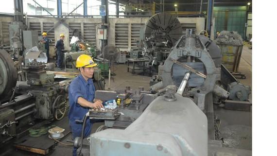 Chế tạo sản phẩm cơ khí tại Công ty Imeco Ảnh: CAO THĂNG