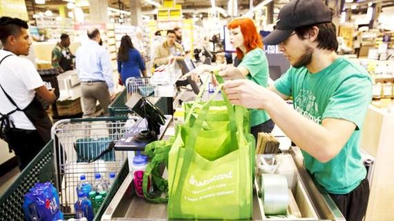 Người tiêu dùng Mỹ sẽ là đối tượng bị ảnh hưởng bởi cuộc chiến thương mại
