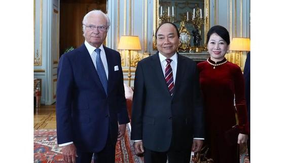 Thủ tướng Nguyễn Xuân Phúc hội kiến Quốc vương Thụy Điển Carl XVI Gustaf    Ảnh:  TTXVN