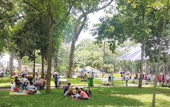 Dịp Lễ 30-4 và 1-5, thời tiết cả nước khá thuận lợi cho các hoạt động vui chơi của người dân