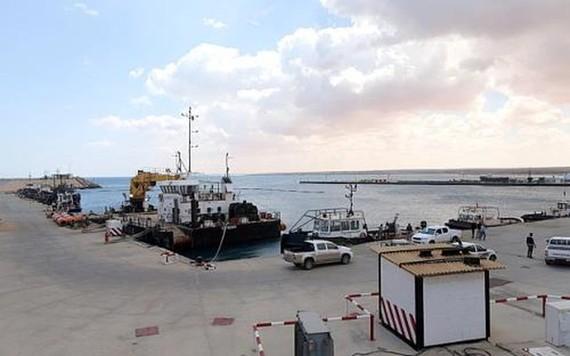 cảng dầu Es Sider. Ảnh: REUTERS