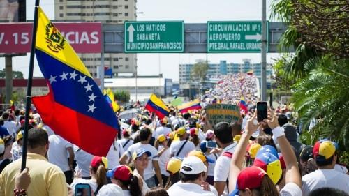 Một cuộc biểu tình chống Chính phủ tại Venezuela. Ảnh: AP