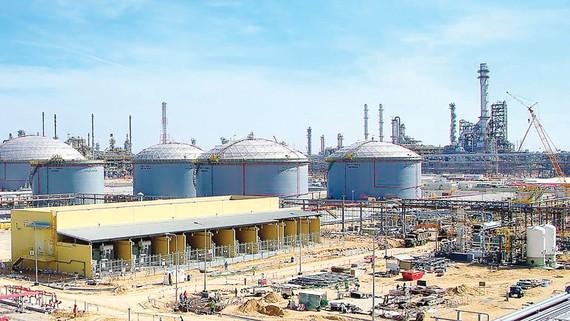 Một nhà máy lọc dầu ở Jubail, Saudi Arabia