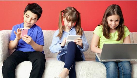 Nghiện Internet và trò chơi điện tử là một trong những nguyên nhân sinh ra nhiều chứng bệnh cho trẻ