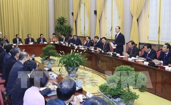 Chủ tịch nước Trần Đại Quang giao nhiệm vụ cho các Đại sứ, Trưởng đại diện cơ quan ngoại giao Việt Nam ở nước ngoài trước khi lên đường nhận nhiệm vụ. Ảnh: TTXVN