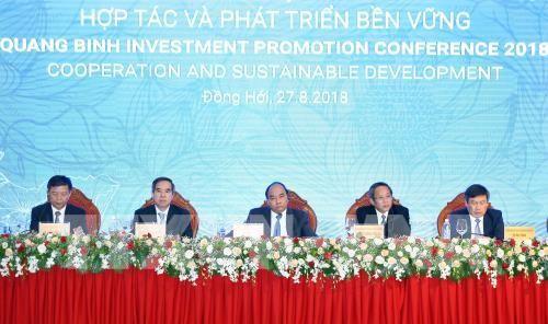 Thủ tướng Nguyễn Xuân Phúc và các đại biểu tham dự hội nghị. Ảnh: TTXVN
