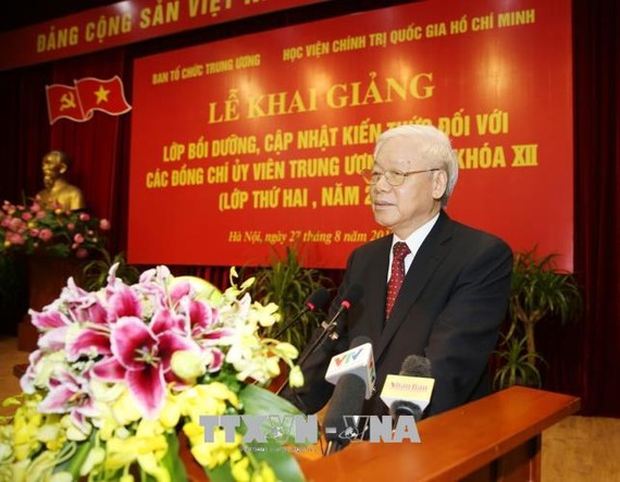 Tổng Bí thư Nguyễn Phú Trọng phát biểu khai giảng Lớp bồi dưỡng. Ảnh: TTXVN