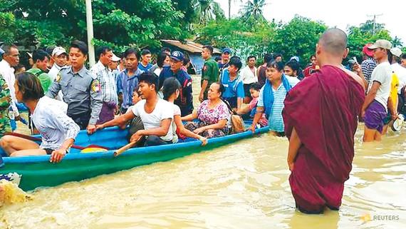 Sơ tán dân do vỡ đập thủy lợi tại Myanmar
