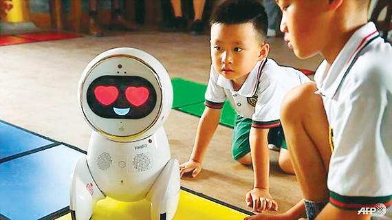 Trung Quốc thử nghiệm giáo viên robot