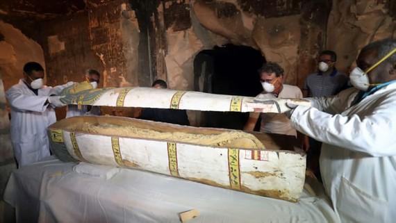 Ai Cập: Mở quan tài cổ hơn 3.000 năm tuổi