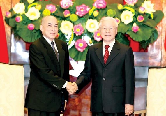 Tổng Bí thư, Chủ tịch nước Nguyễn Phú Trọng hội kiến Quốc vương Campuchia Norodom Sihamoni. Ảnh:  TTXVN