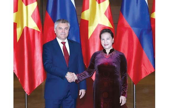 Ngày 24-12, Chủ tịch Quốc hội Nguyễn Thị Kim Ngân chủ trì lễ đón và hội đàm với Chủ tịch Duma Quốc gia Nga Vyacheslav Viktorovich Volodin. Ảnh: TTXVN