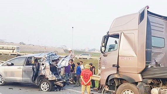 Tài xế container tông xe Innova lùi trên cao tốc tiếp tục bị tạm giam