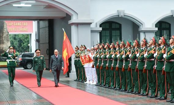 Thủ tướng Nguyễn Xuân Phúc tại buổi thăm và làm việc với Tổng cục II. Ảnh: VGP