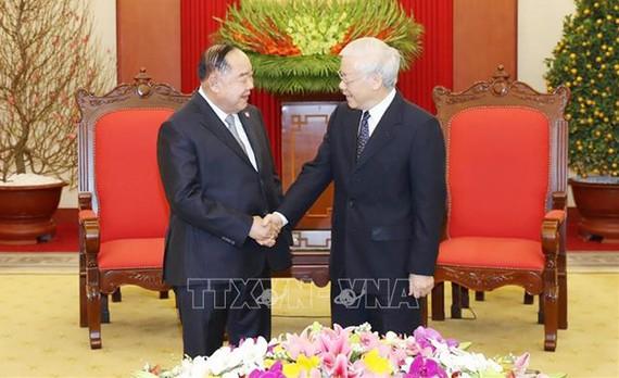 Tổng Bí thư, Chủ tịch nước Nguyễn Phú Trọng tiếp Phó Thủ tướng, Bộ trưởng Quốc phòng Thái Lan Prawit Wongsuwan. Ảnh: TTXVN