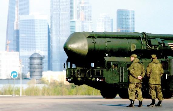 """""""Cái chết"""" của INF có thể khởi đầu một cuộc chạy đua vũ trang Nga - Mỹ"""