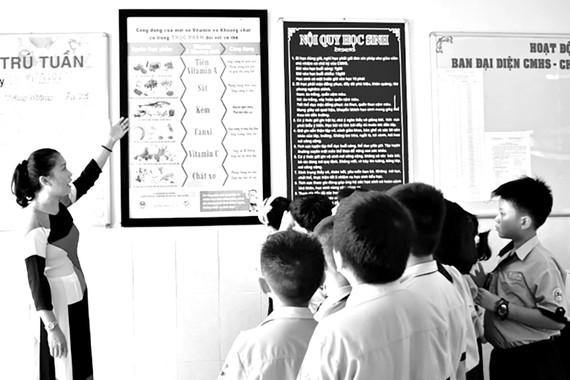 Bộ áp phích ba phút thay đổi nhận thức hỗ trợ nhà trường giáo dục kiến thức dinh dưỡng cho các em học sinh  