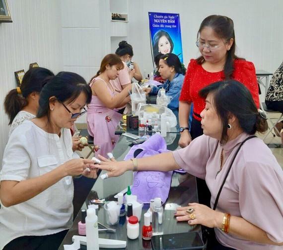 Khóa đào tạo nghề miễn phí do Hội LHPN quận Gò Vấp tổ chức cho phụ nữ trên địa bàn