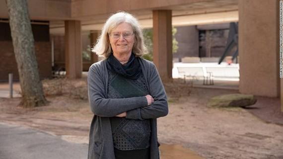 Bà Karen Uhlenbeck
