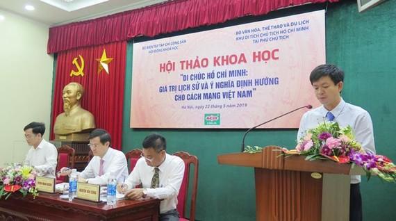 Các đồng chí chủ trì Hội thảo. Ảnh: Dangcongsan.vn