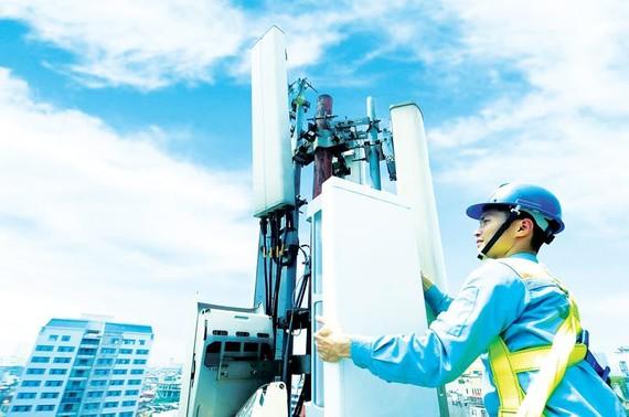 Nhà mạng lắp đặt trạm phát sóng 5G