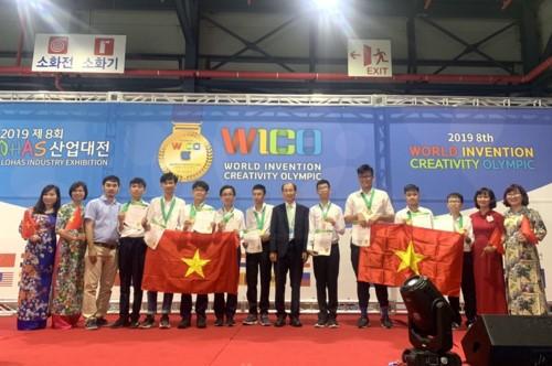 Đội nghiên cứu khoa học Vật lý và Sinh học Việt Nam giành 2 huy chương vàng tại WICO 2019