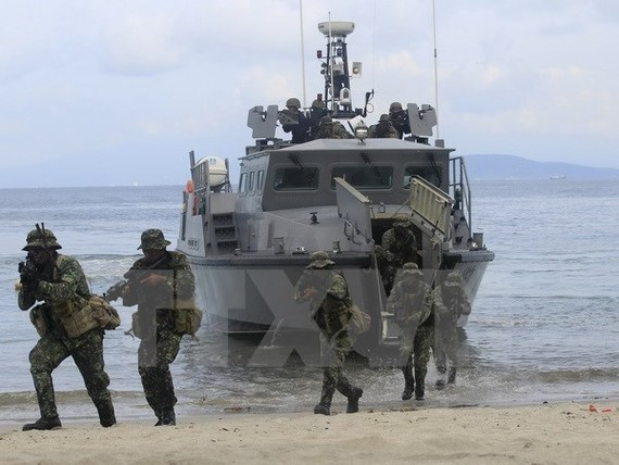 Philippine Navy in a drill.(Source: Reuters/VNA)
