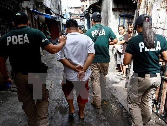 Philippine President Rodrigo Duterte is likely to put the Philippine National Police (PNP) in charge of the drug war again instead of the Philippines Drug Enforcement Agency (PDEA). (Photo: EPA/VNA)