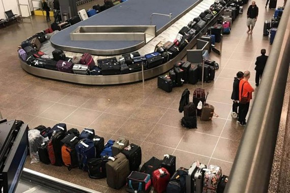 US airport immigration computers suffer temporary outage on first day of 2018