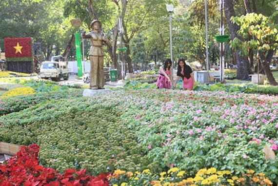 1,000 bus tickets & entrance tickets of Spring Festival to be presented workers
