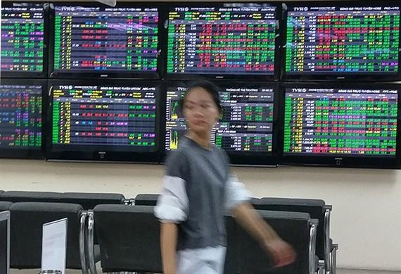 Money keeps leaving market
