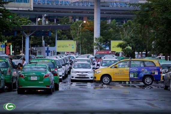 City to revise plan to limit taxis