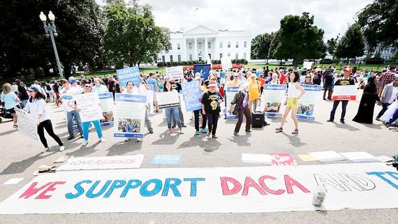 Người dân Mỹ biểu tình phản đối quyết định hủy chương trình DACA