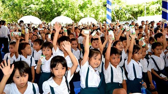 Trẻ em ngoài nhà trường của Việt Nam giảm mạnh