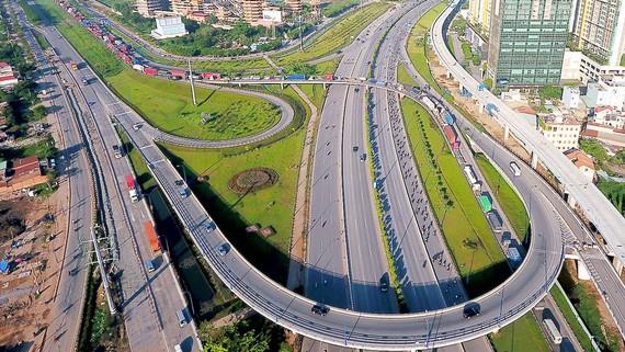 TPHCM đầu tư phát triển hạ tầng giao thông. Ảnh: VIỆT DŨNG