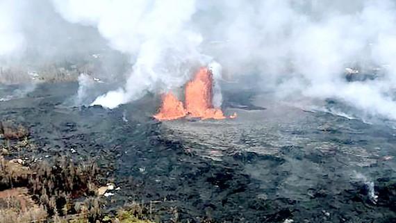 Cư dân Hawaii sơ tán do dung nham từ núi lửa Kilauea