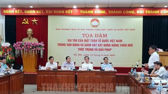 Các đại biểu dự tọa đàm về xây dựng nông thôn mới. Ảnh: thanhuytphcm