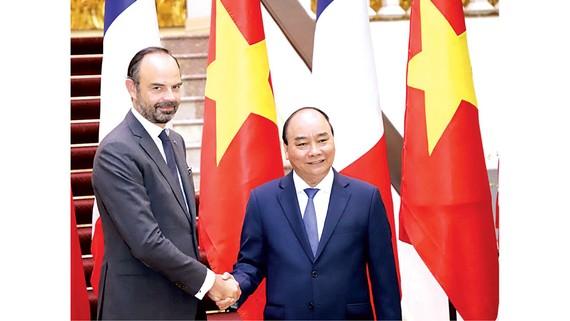 Thủ tướng Nguyễn Xuân Phúc và Thủ tướng Édouard Philippe