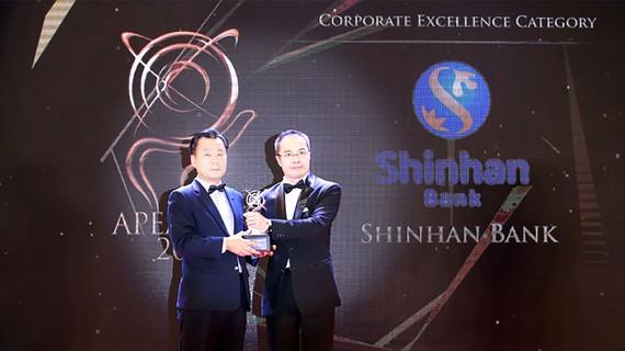 Ngân hàng Shinhan nhận Giải thưởng Kinh doanh Xuất sắc châu Á 2018