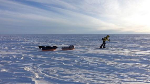 Đi xuyên Nam cực không cần trợ giúp