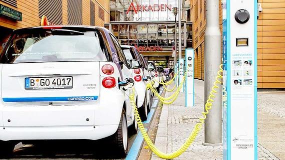 Đức chi gần 60 tỷ EUR phát triển xe điện, xe tự lái
