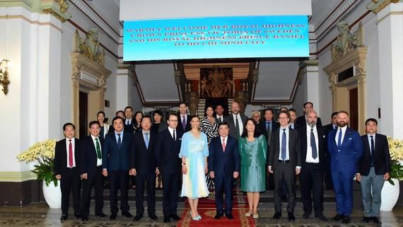 Công chúa Thụy Điển gặp gỡ tiếp xúc với NutiFood tại TP Hồ Chí Minh