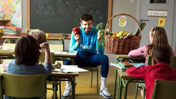 """80% trẻ em sẽ ăn uống khoa học hơn theo """"người hùng sân cỏ"""" của mình"""