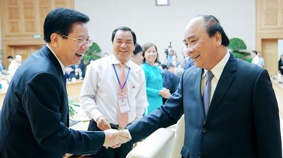 Thủ tướng Nguyễn Xuân Phúc gặp mặt các doanh nhân tư nhân. Ảnh: PHAN THẢO