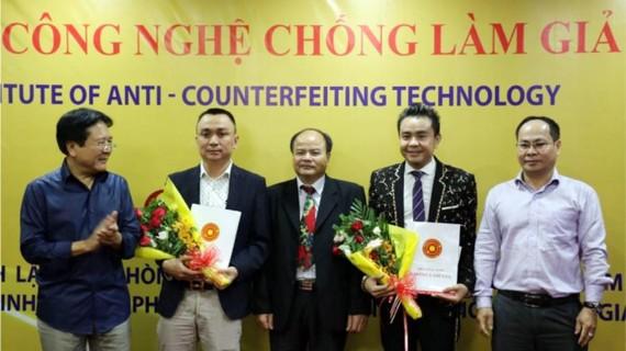 Lễ ra mắt Ban Phát triển thương hiệu và chống hàng giả Việt Nam tại TPHCM. Ảnh: daidoanket.vn