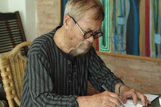 Nhà thơ Phan Vũ. Ảnh: DU NGUYÊN
