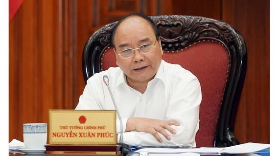 Thủ tướng Nguyễn Xuân Phúc chủ trì cuộc họp Thường trực Chính phủ. Ảnh: VGP/QUANG HIẾU