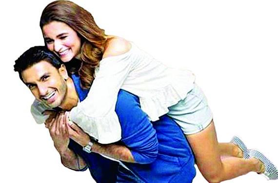 Ranveer Singh và Alia Bhatt - hai diễn viên chính của phim Gully Boy