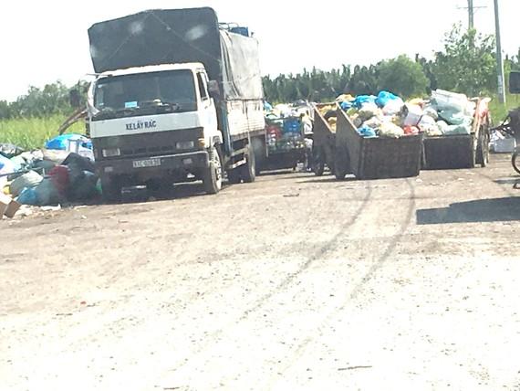 Khu tái định cư thành điểm tập kết rác