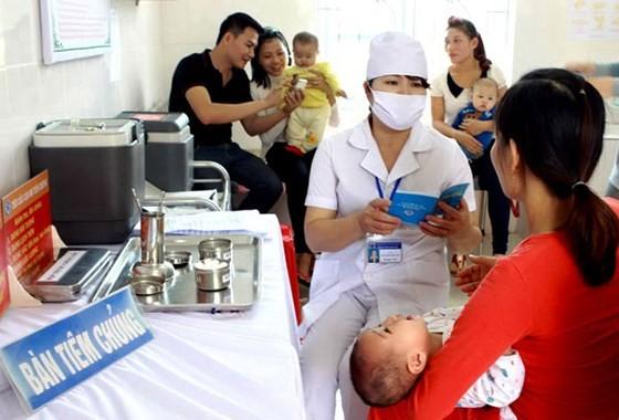 Tiêm chủng cho trẻ giúp phòng tránh nguy cơ bị bại liệt